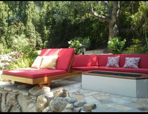 Red and white pad cushions for an outoor area