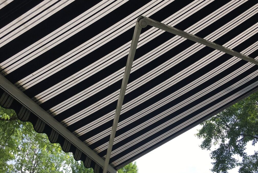 What to Consider Before Buying a Retractable Awning