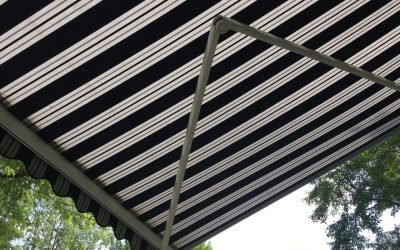 retractable stripe awning