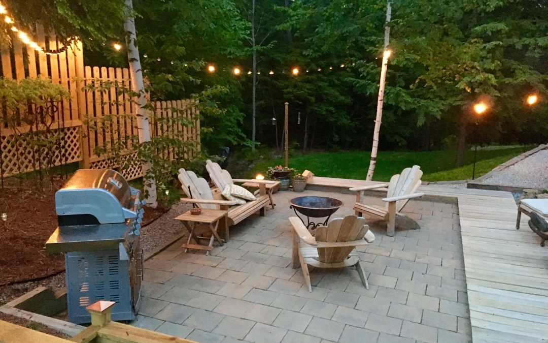 Autumn is Coming: 4 Ways to Decorate a Dull Patio in Fall